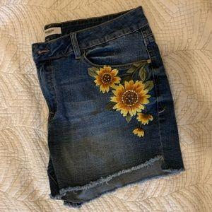Kensie Sunflower Jean Shorts